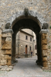 Porte étrusque, Volterra